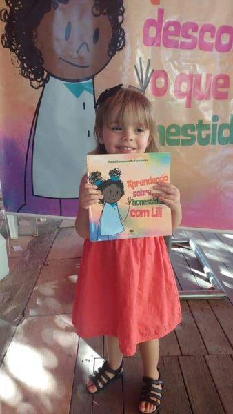 lancamento-aprendendo-sobre-honestidade-com-lili-paula-emmanuella-fernandes-livros-infantis-14