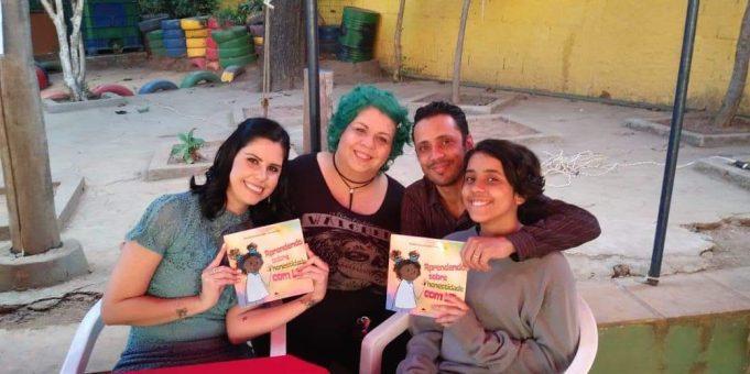 lancamento-aprendendo-sobre-honestidade-com-lili-paula-emmanuella-fernandes-livros-infantis-16
